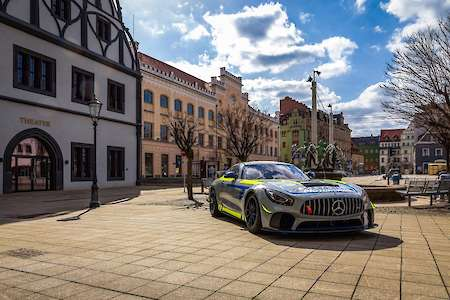 Denis Bulatov mit Mercedes-AMG GT4 bei EastSide Motorsport im GTC Race